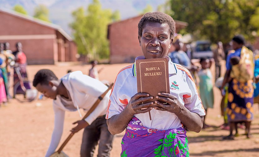 Wow! First Bibles in 700 Languages